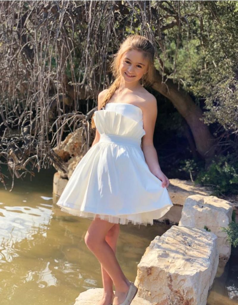 תמונה של שמלות בת מצווה להשכרה